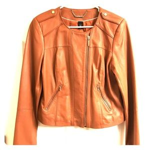Gorgeous leather jacket just in time for fall🍁🍁